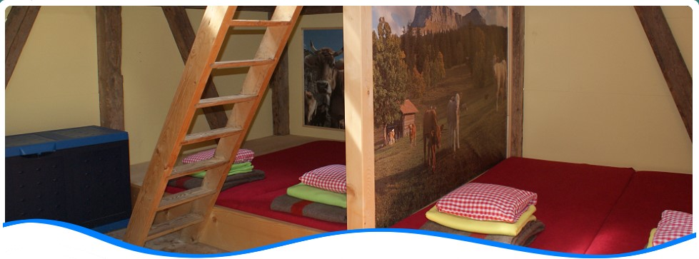 Sleeping in the Alphüttli: Rustic mountain chalet for up to 6 persons.